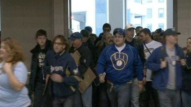 Fans flock to Brewers on Deck