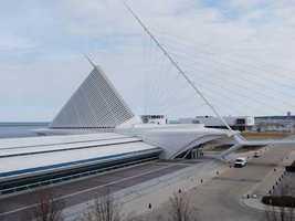 MilwaukeePopulation: 597,900 -- 68.4 percent single
