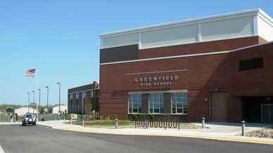 Greenfield_High_School_(Wisconsin)_exterior.jpg