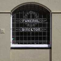 """Never trust a funeral director who says, """"This is the last thing you can do for your loved one."""""""