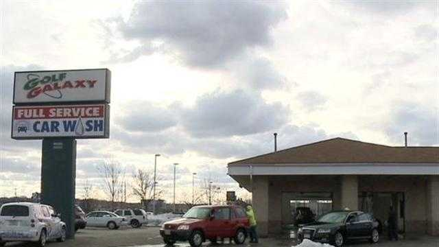 Brookfield woman claims her gun was stolen at a car wash