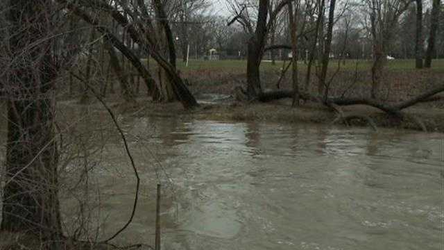 Wauwatosa asks residents to use less water