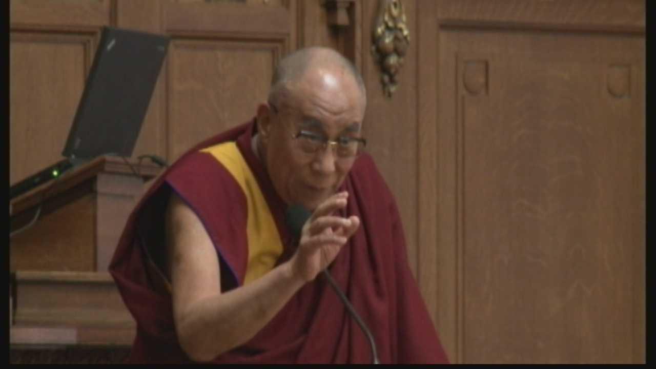 Dalai Lama tells Legislature to be compassionate