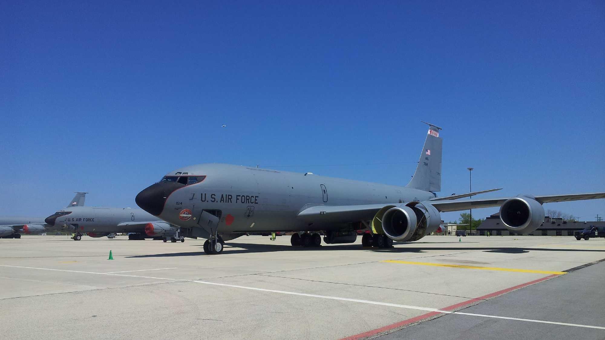 KC 135 failed engine - John Kenney