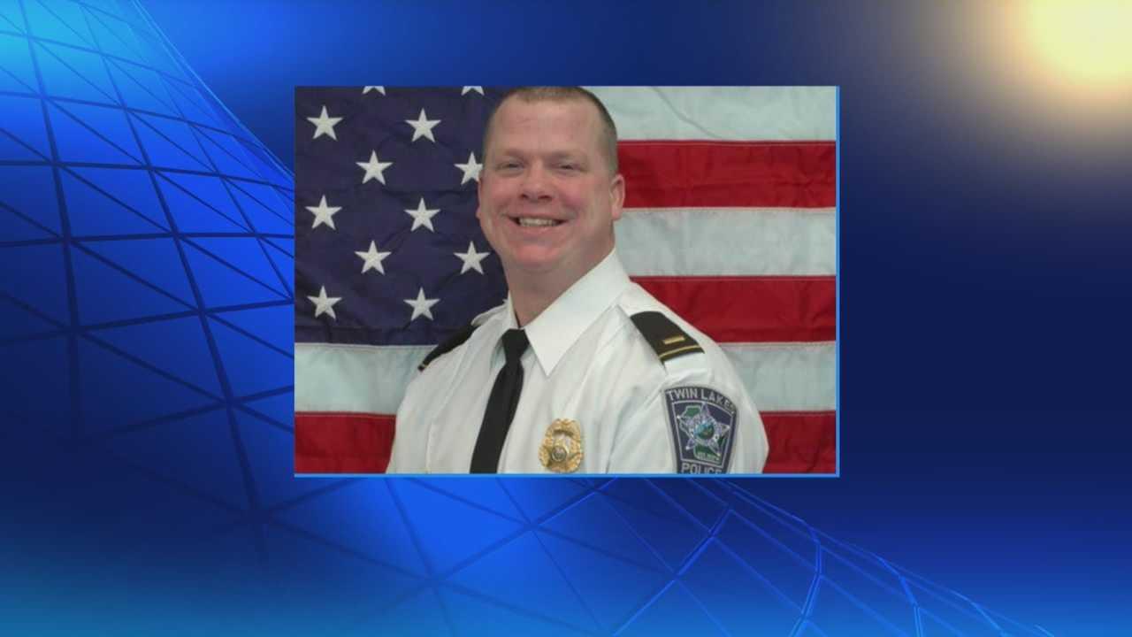 Officer killed in crash