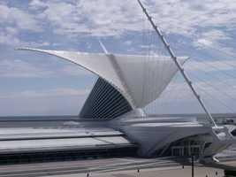 Milwaukee Art Museum (PASSPORT SITE), 700 N. Art Muuseum Drive, Hours: Sat and Sun 10am-5pm