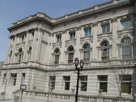 Central Library – Milwaukee Public Library,814 W. Wisconsin Avenue (accessible entry at 813 N. 8th St.)