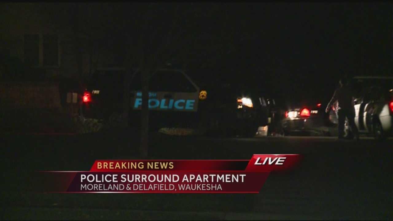 Waukesha police surround apartment