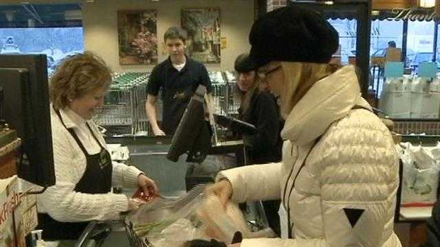 Shoppers rush to beat the cold