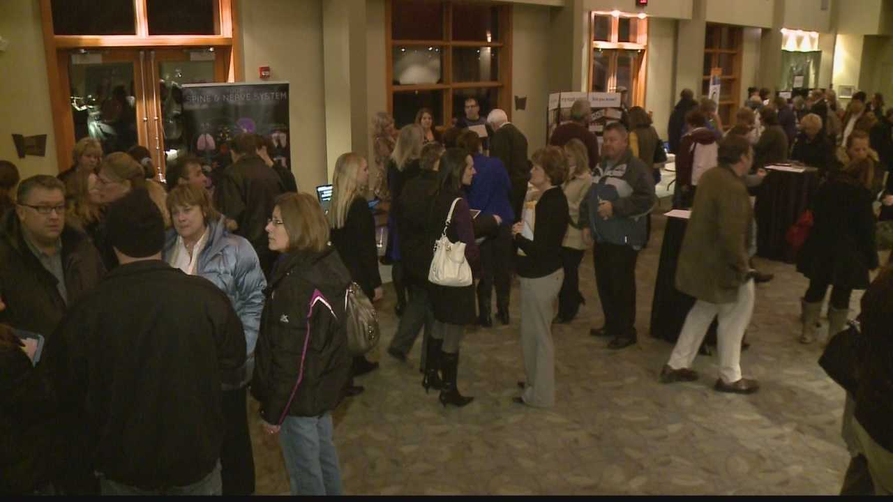 Hundreds pack community meeting on heroin awareness