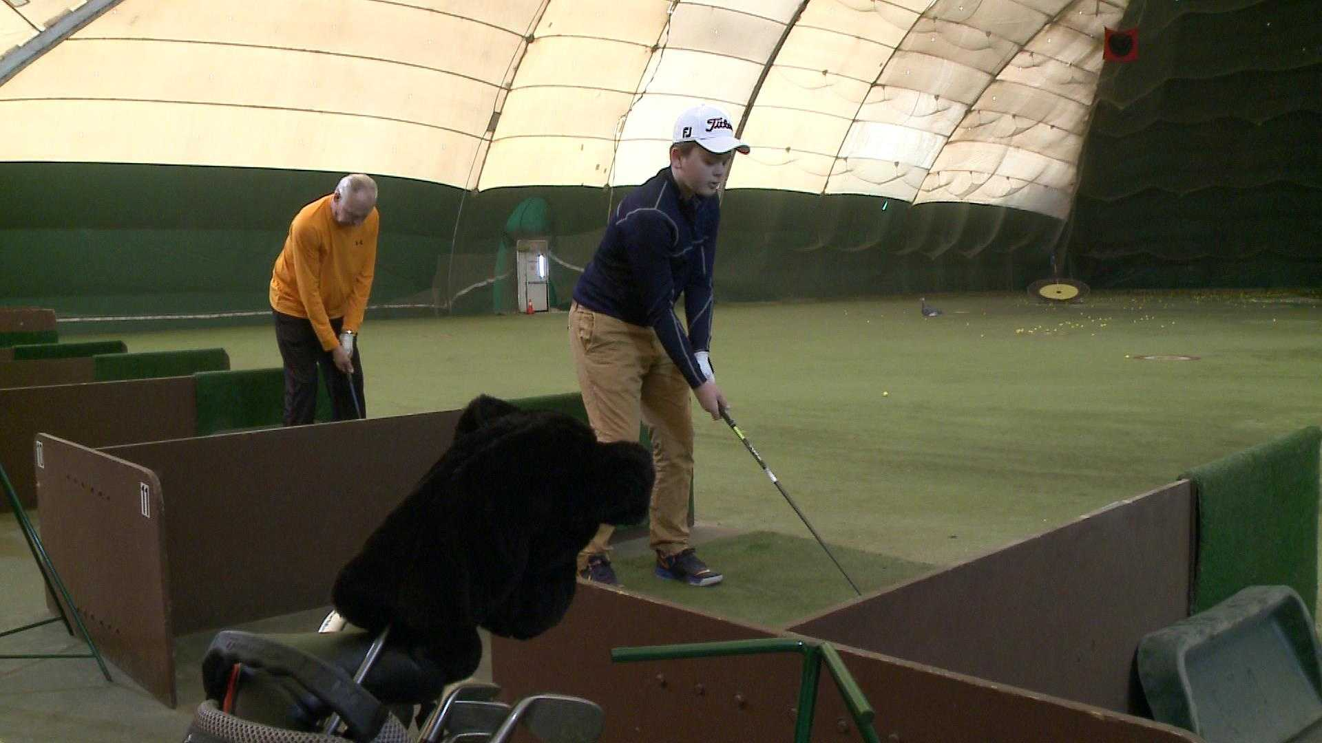 golfers indoors.jpg