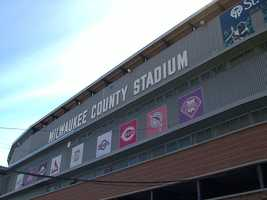 Much of the scenes on the field were shot at Milwaukee County Stadium.