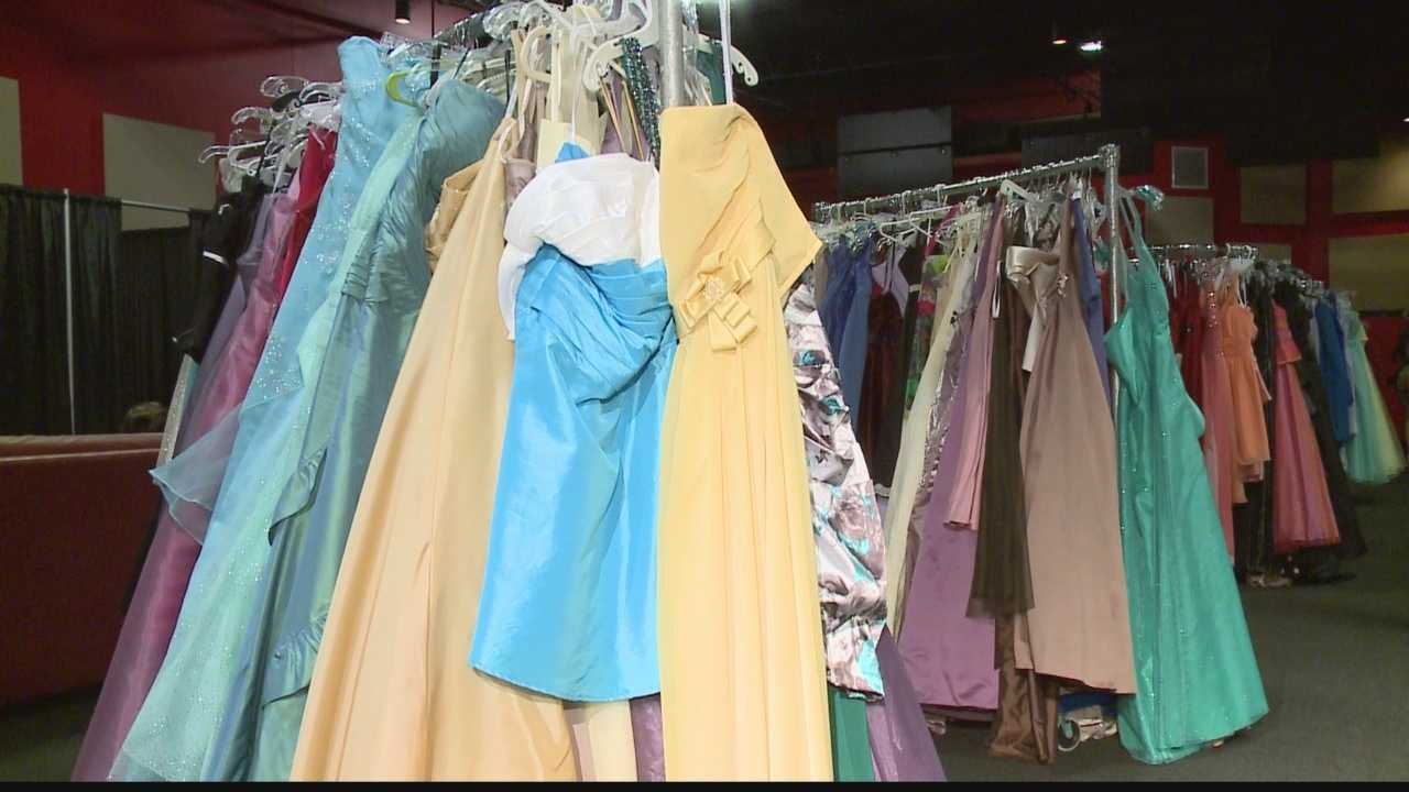 Project founder helps girls with dresses, shoes, makeup, jewelry and their self-esteem.