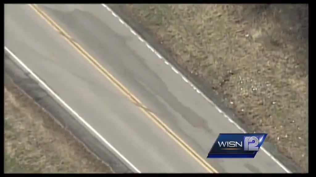 (img1)Waukesha County crash kills 2 injures 1