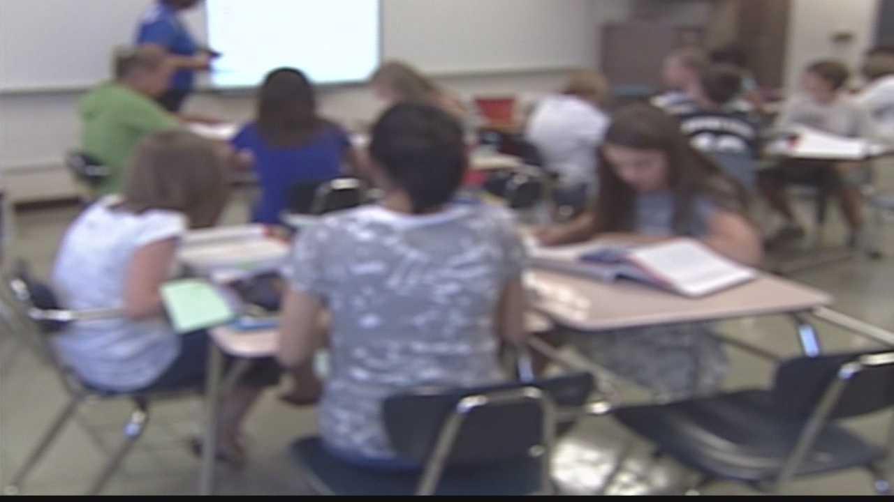 Milwaukee Public Schools still hiring teachers for upcoming school year