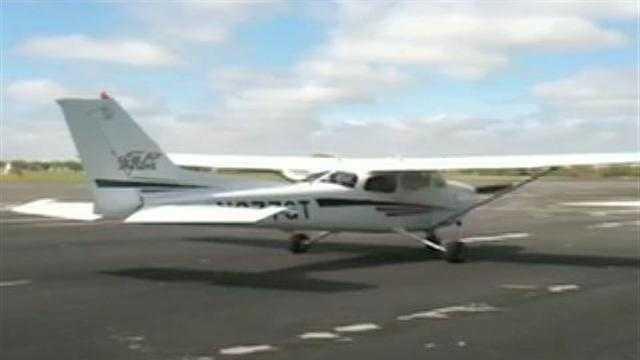 small plane at Timmerman Airport - 27966232