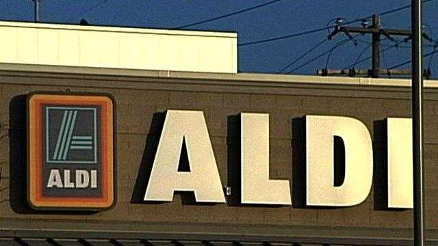 Hundreds Turn Out For 'Hiring Event' At Aldi - 22459044