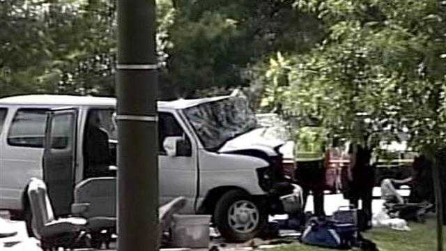 Children involved in day care van crash improving