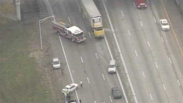 Raw aerials from a crash at Interstate 65 northbound at the Gene Snyder