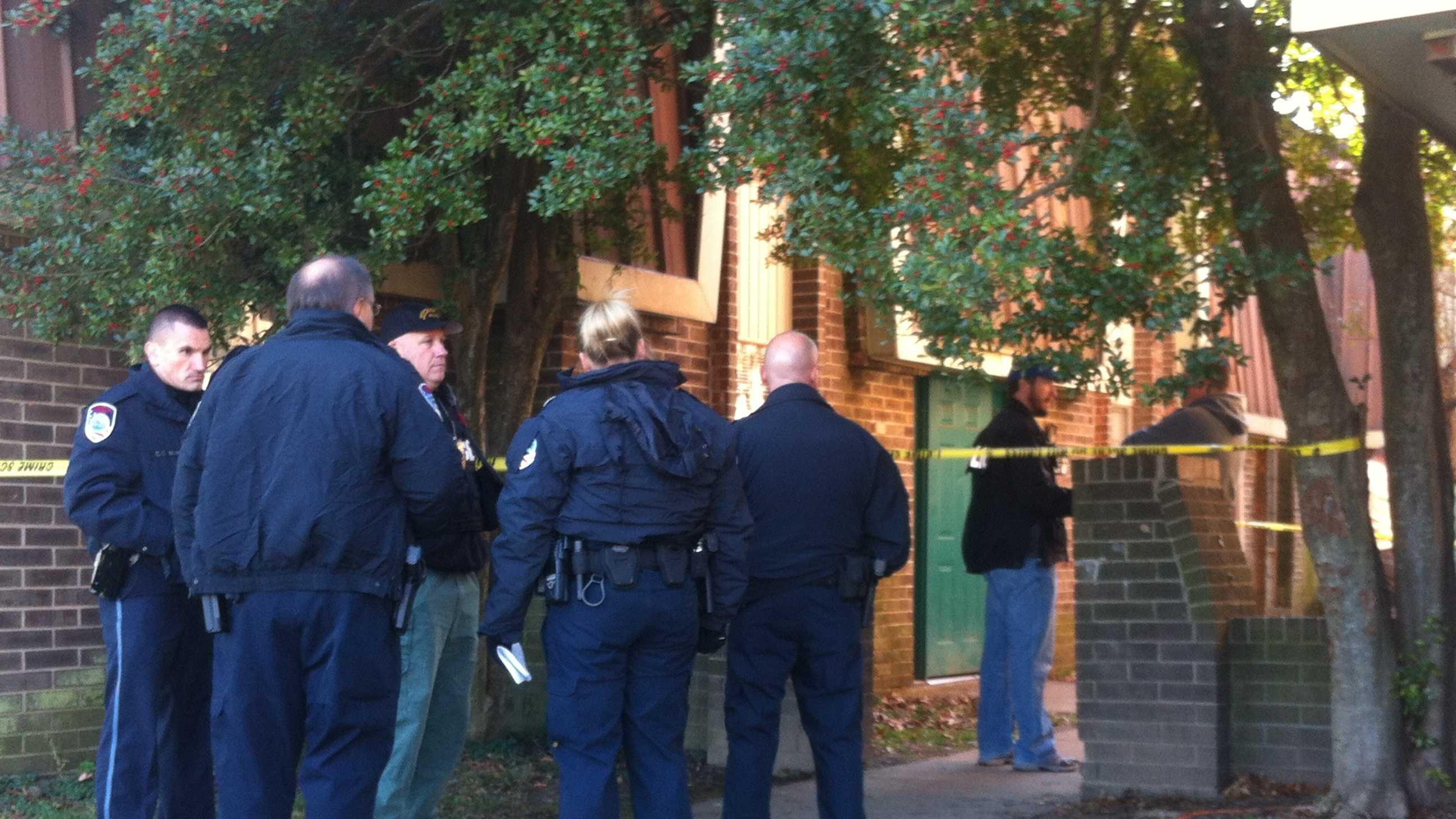 Jeffersonville apartment complex shooting (3).JPG