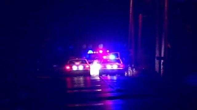 Car slams into telephone pole on River Rd.