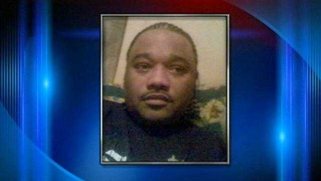 Father of 7 dies after being shot, robbed