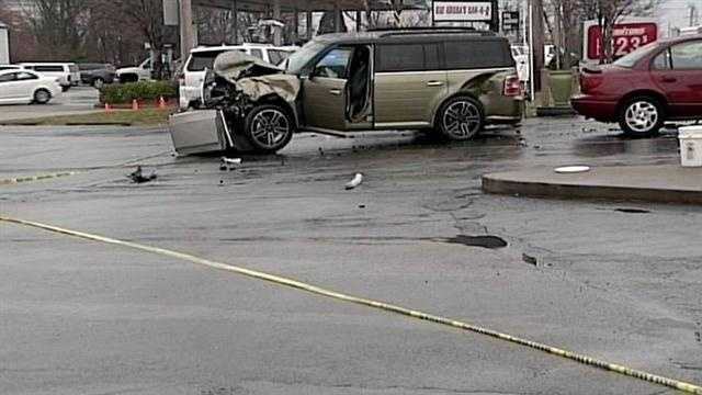 Driver killed in 3-car eastern Jefferson County crash