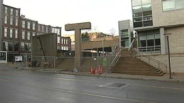 Sixth Street to close for pedestrian bridge work
