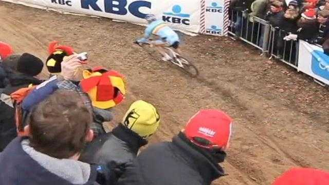 Preps for Cyclocross World Championship close River Road