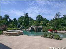 The premises also include an outdoor jacuzzi.