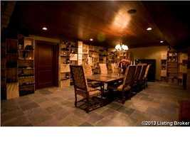 Anterior wine cellar, dining space.
