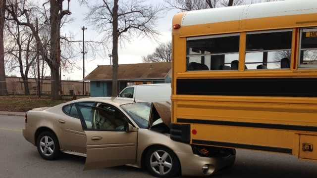 school bus accidetn 28th and magazine (2).JPG