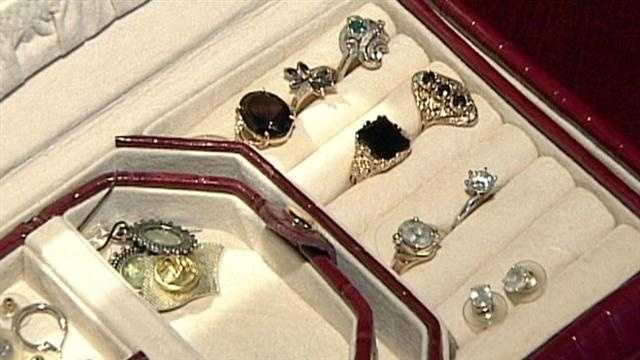 A Jeffersontown senior's trusted landscaper has been accused of stealing her jewelry.