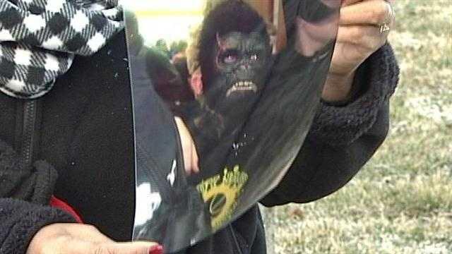 New Albany costume controversy