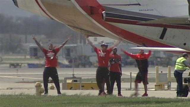 Fans welcome national champions home from Atlanta