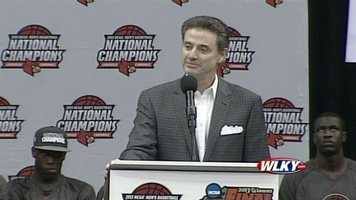 Head Coach Rick Pitino addresses the fans at a Louisville basketball celebration Wednesday.