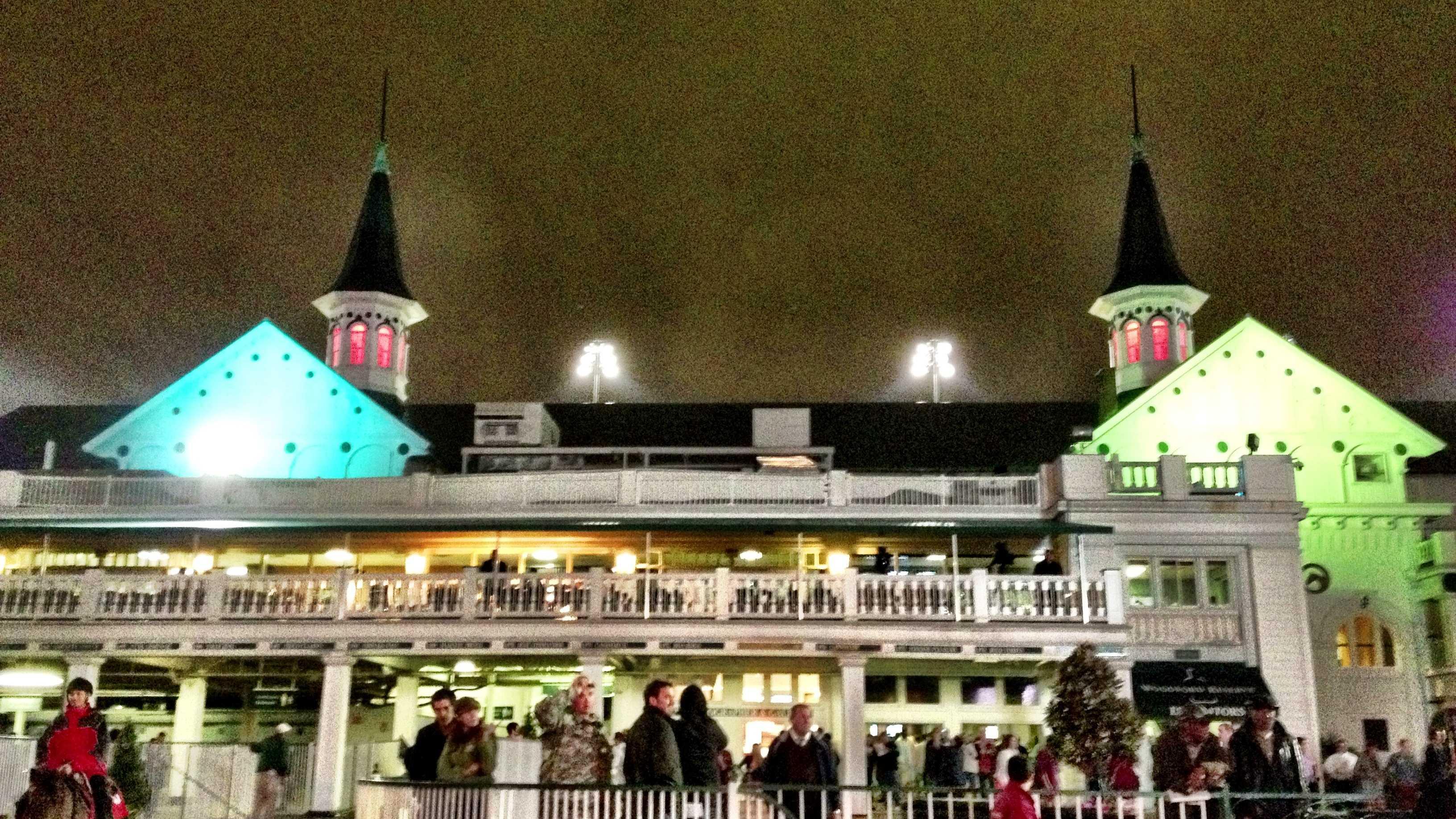 Churchill Downs night race
