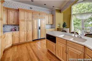 Another great feature about this kitchen are its beautiful custom cabinetry.