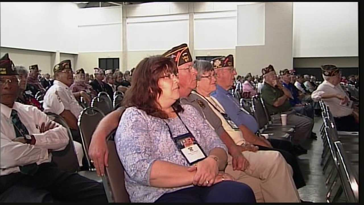 Sens. McConnell, Paul share stage, messages for veterans