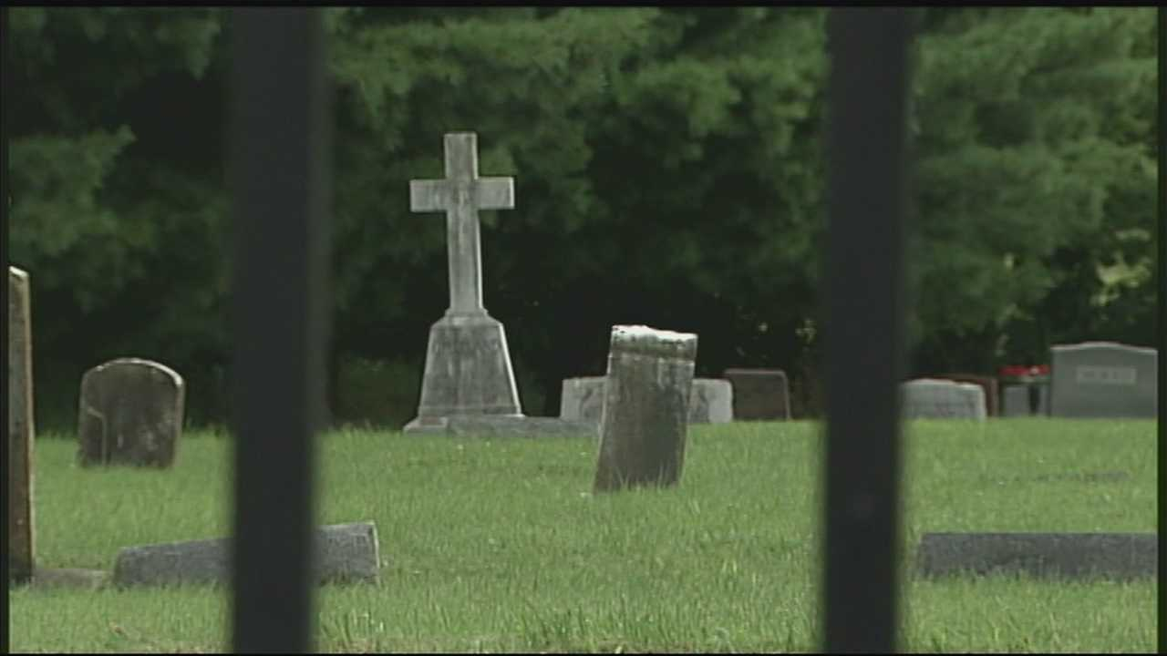Police investigating rash of burglaries while families are at funerals
