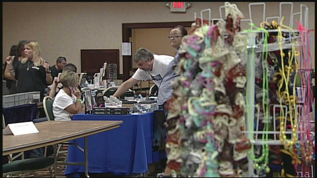 Paranormal convention brings ghost hunters, psychics to Louisville