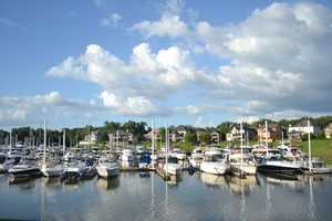 Enjoy a lovely meal at Captain's Quarters: Captain's Quarters offers the best in riverside dining in the region. Nestled along the scenic banks of the Ohio River, Captain's Quarters Riverside Grille offers delicious seafood dishes, international cuisine and an array of refined American fare – all served in a picturesque atmosphere.Location: 5700 Captains Quarters Rd, Prospect, KY 40059