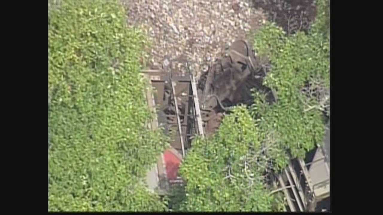 Raw video of a train derailment in Hardin County