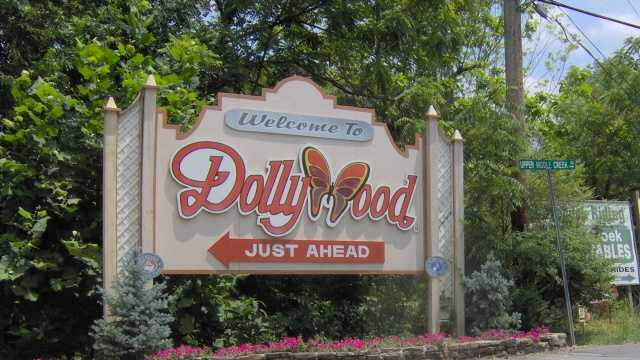 dollywood wikimedia commons Brian Stansberry.jpg