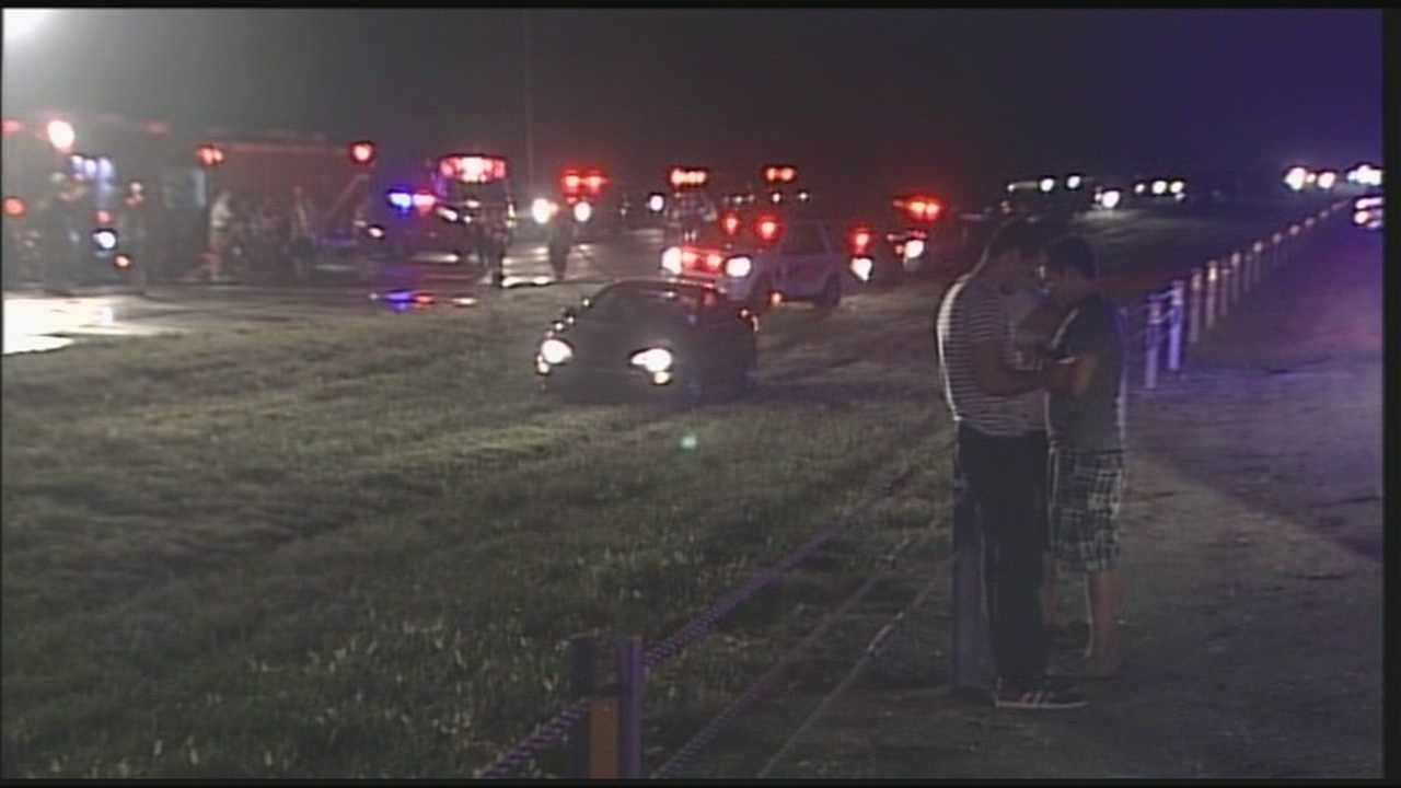 1 person dead after fiery crash at Gene Snyder and Bardstown Road
