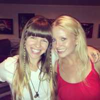 Heidi Stenson of The Moonlight Peddlers and Joann Jene Dickson have a little hangout after the show.