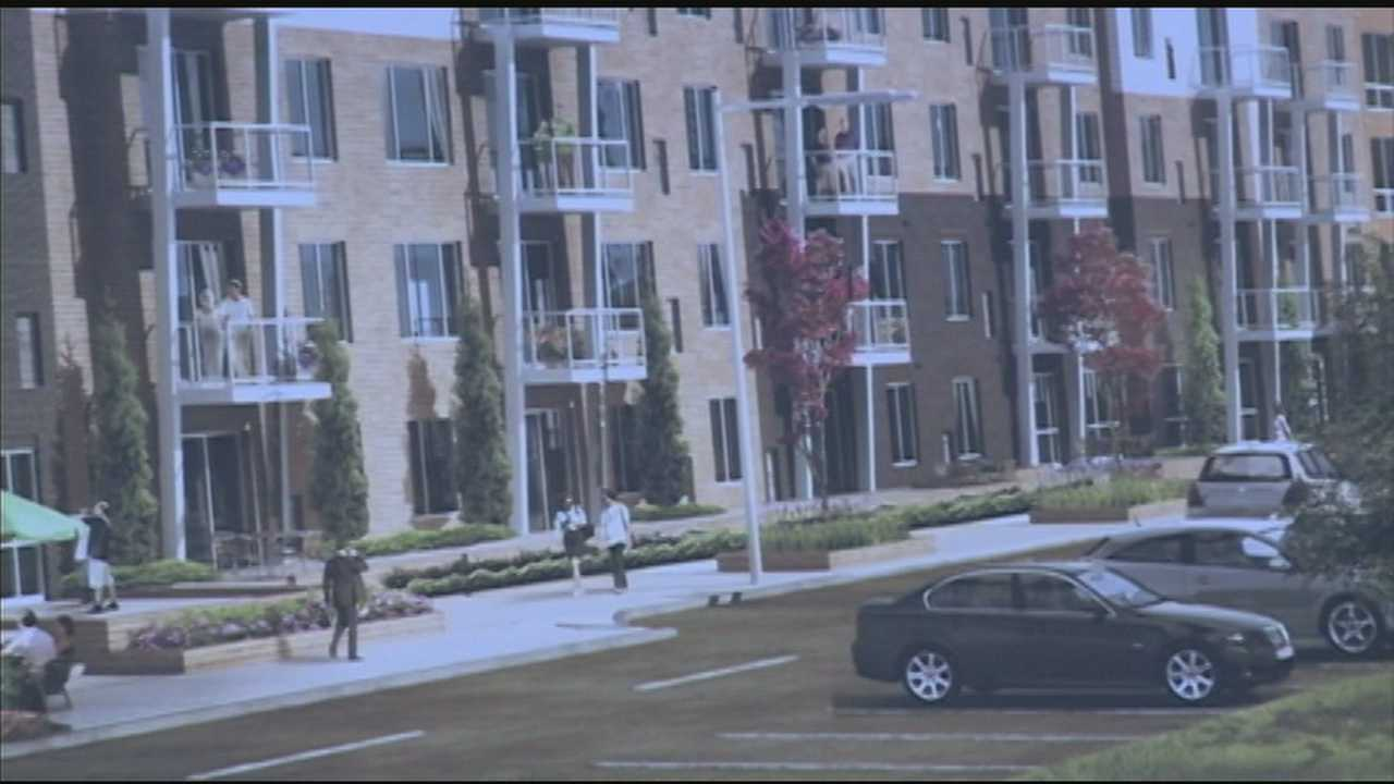 Waterfront apartment complex celebrates third phase of construction
