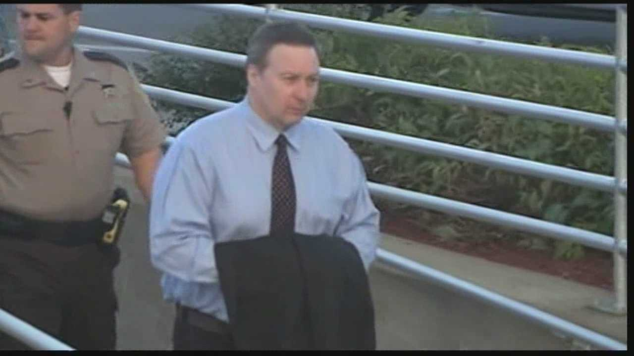 Blood expert shown re-enactment at David Camm trial
