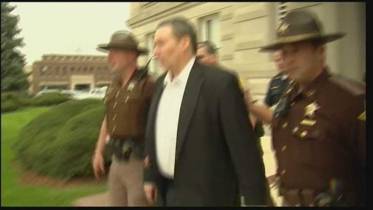 David Camm acquitted at 3rd trial, bursts into tears
