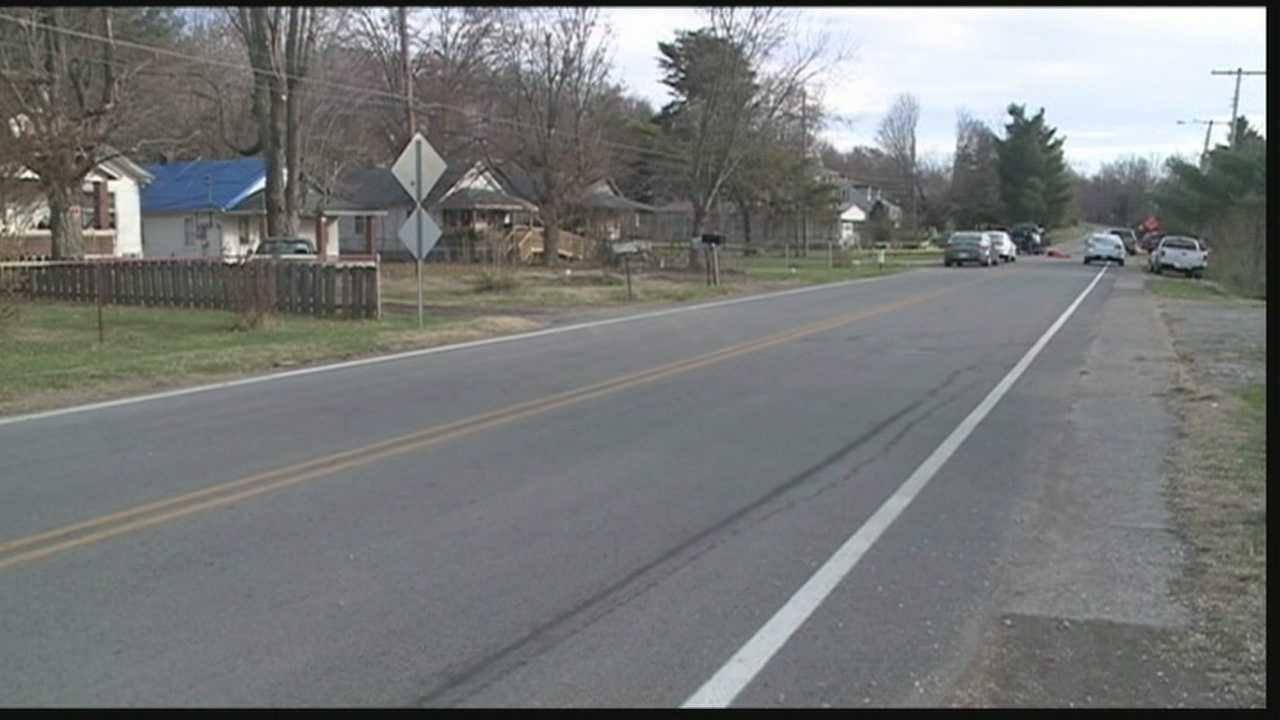 Police believe man critically injured in Muldraugh shooting, shot self